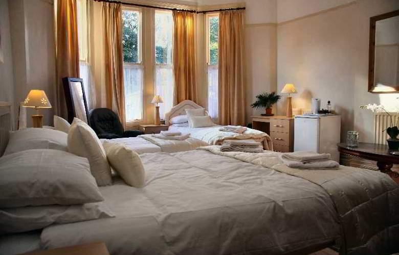 Ullet Suites - Room - 2