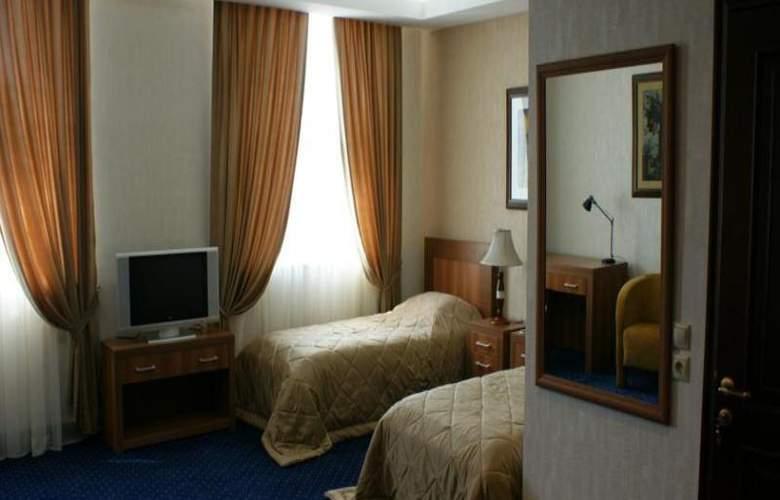 Atrium - Room - 8