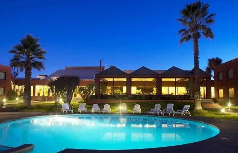 Park Hotel Calama - Pool - 2