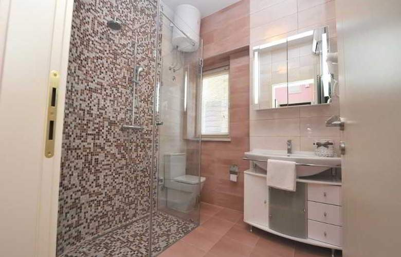 Apartments Renata - Room - 9