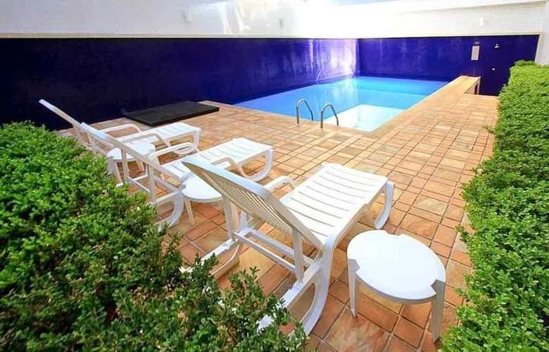 Mercure Curitiba Centro - Pool - 19