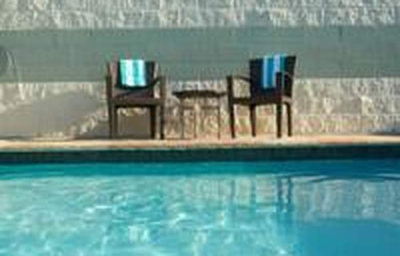 Royal Sonesta Hotel Houston - Pool - 2