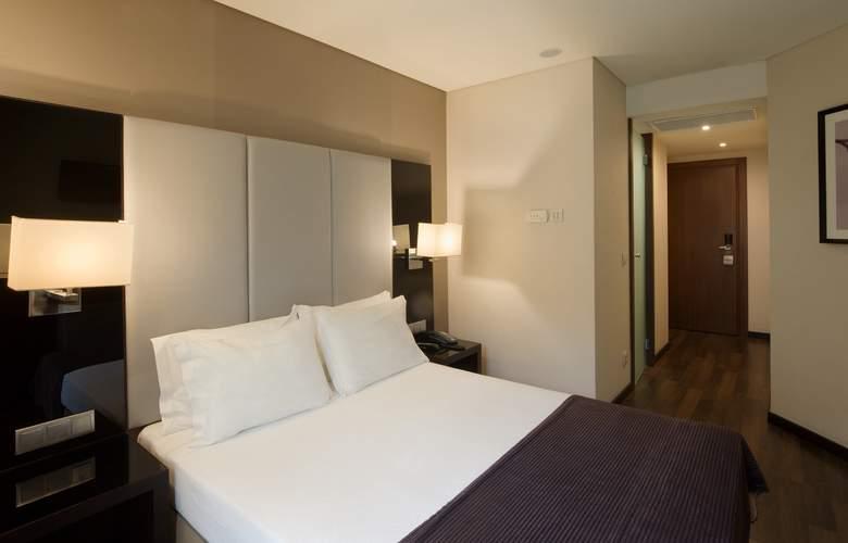 Turim Luxe - Room - 7