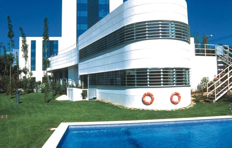 HLG City Park Sant Just - Pool - 2