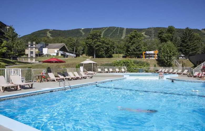 Chateau Mont Sainte-Anne - Pool - 13