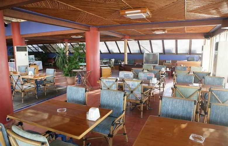Riviera - Restaurant - 12