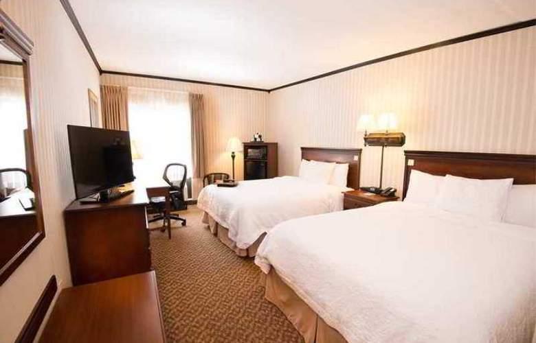 Hampton Inn Carlstadt-At The Meadowlands - Hotel - 3