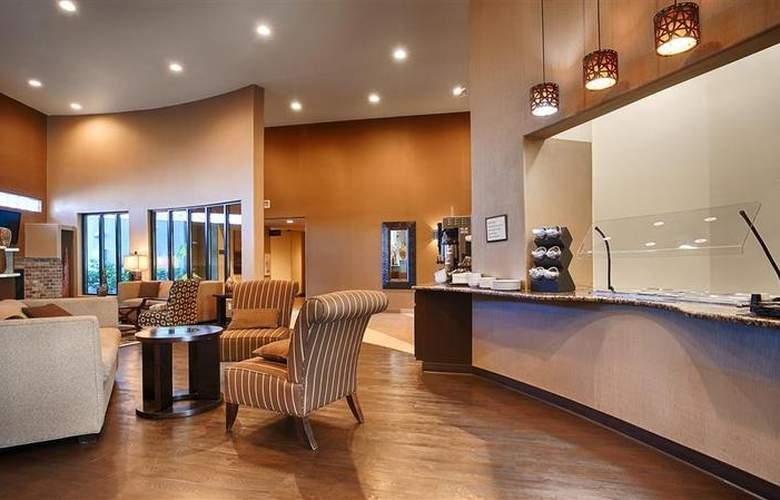 Best Western Plus Atrea Hotel & Suites - Restaurant - 60
