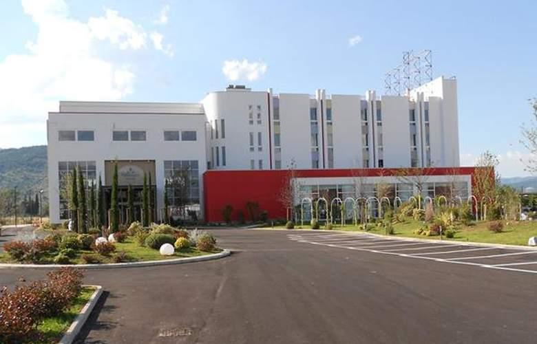 Smeraldo Wellness Resort - Hotel - 0