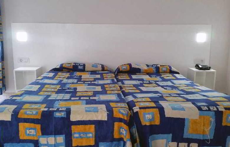 Chinyero - Room - 9