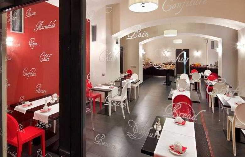 Red & Blue Design - Restaurant - 8