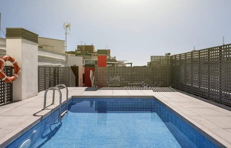 Ilunion Auditori - Pool - 15