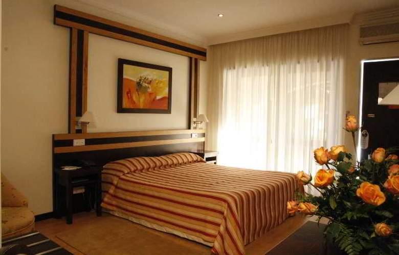 Quinta Tres Pinheiros - Room - 4