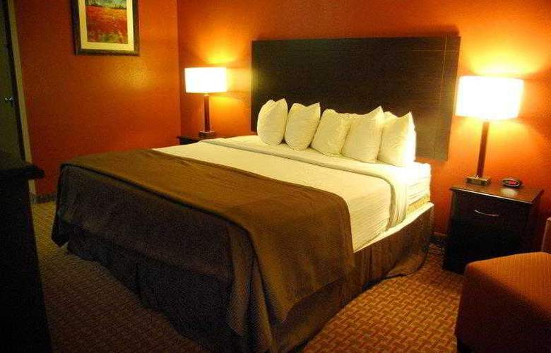 Best Western Topeka Inn & Suites - Hotel - 7
