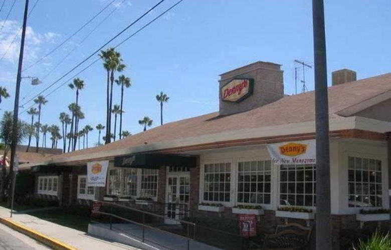 Best Western Plus Carriage Inn Sherman Oaks - Hotel - 8