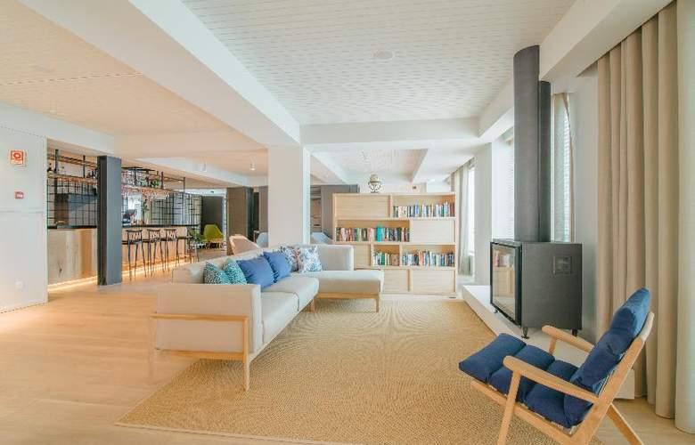 Aqualuz - Suite Hotel Apartments - Bar - 21