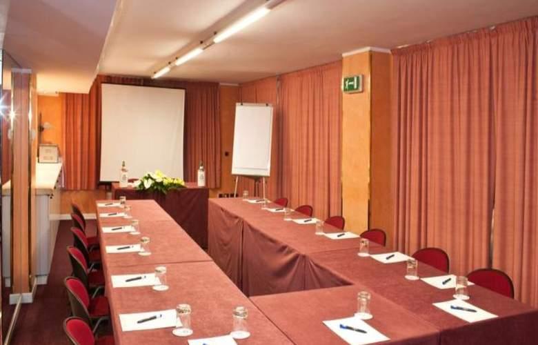 Giberti - Conference - 4