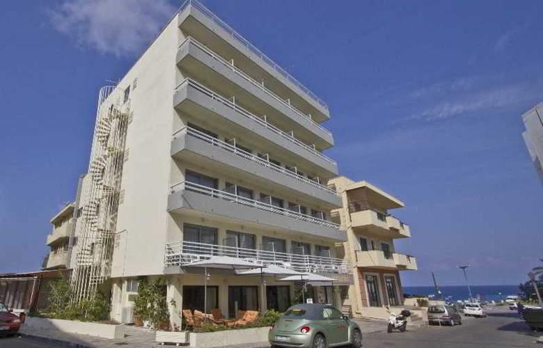 Nafsika - Hotel - 0