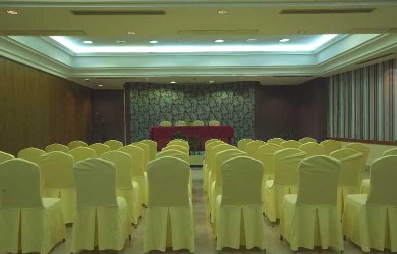 Hoyuela - Conference - 29