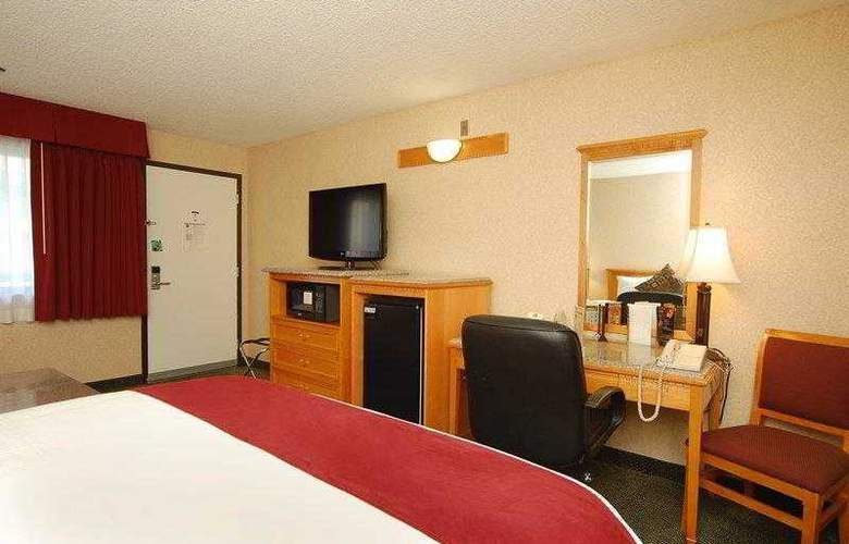 Best Western Plus Orange County Airport North - Hotel - 23