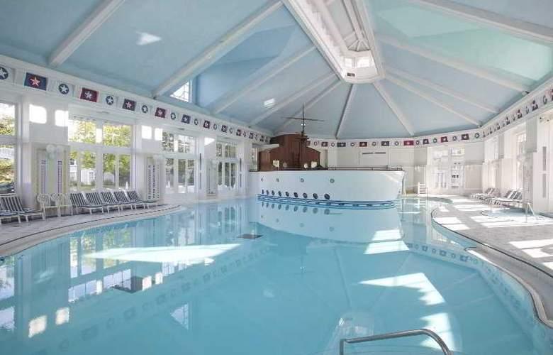 Disney's Newport Bay Club - Pool - 9