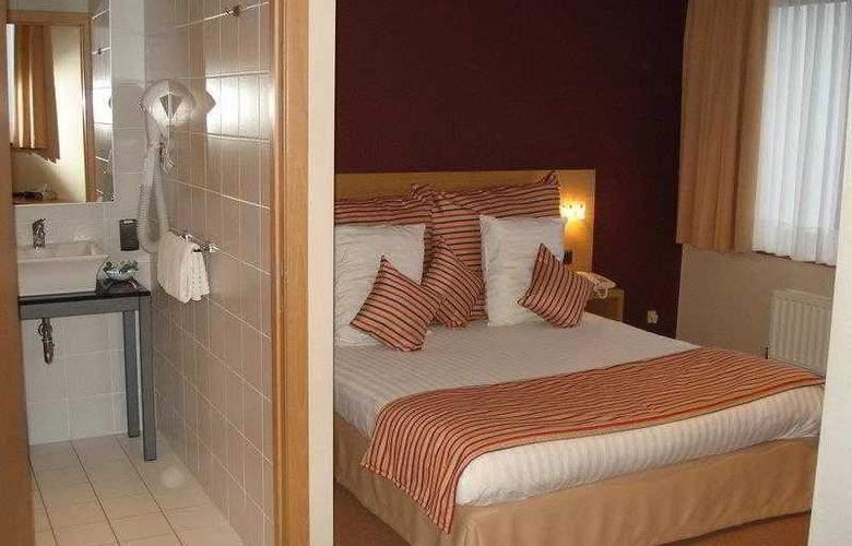BEST WESTERN Axis Hotel - Hotel - 1