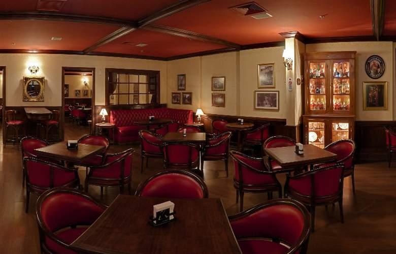 Golden Tulip Brasilia Alvorada Hotel - Bar - 6