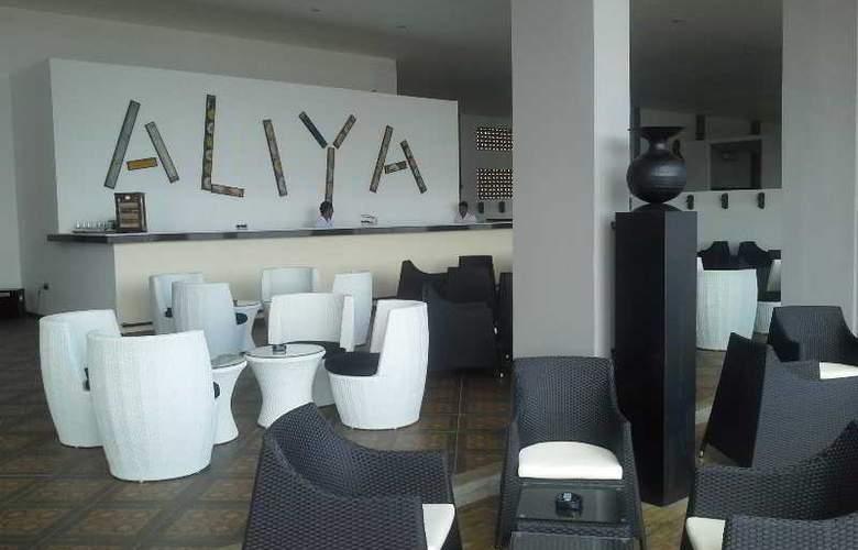 Aliya Resort and Spa - Bar - 3