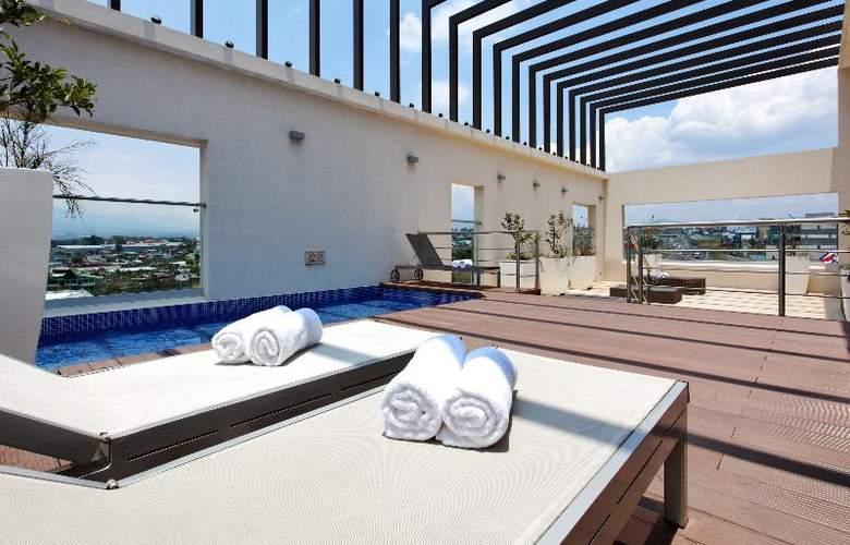 Holiday Inn San Jose Escazu - Pool - 21
