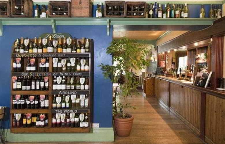 Cedars Inn - Bar - 3