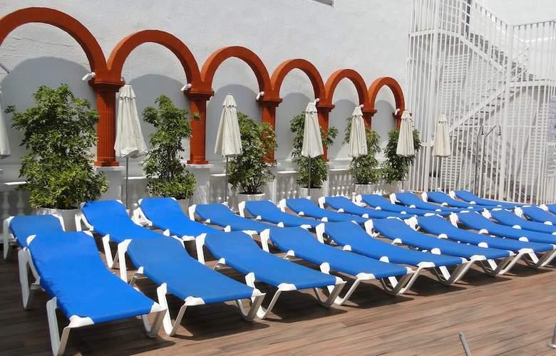 Miami - Terrace - 7