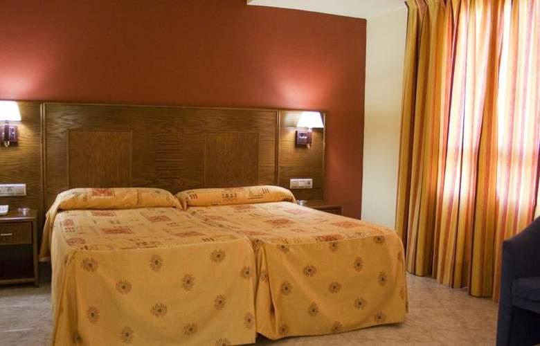 Perales - Room - 1
