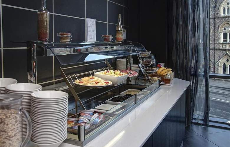 Clayton Cardiff - Restaurant - 74