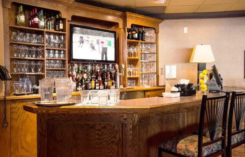 Accent Inn Vancouver Burnaby - Bar - 26