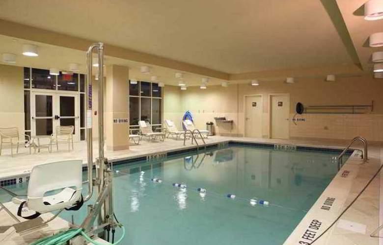Hampton Inn & Suites Staten Island - Hotel - 5