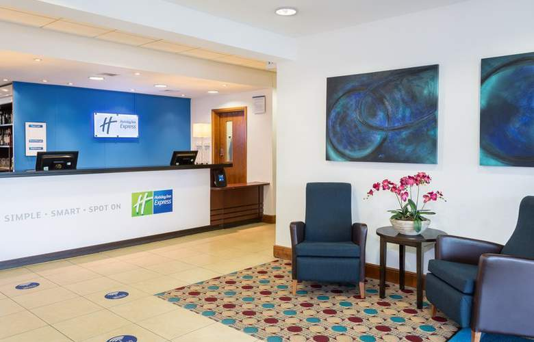 Holiday Inn Express Braintree - General - 1