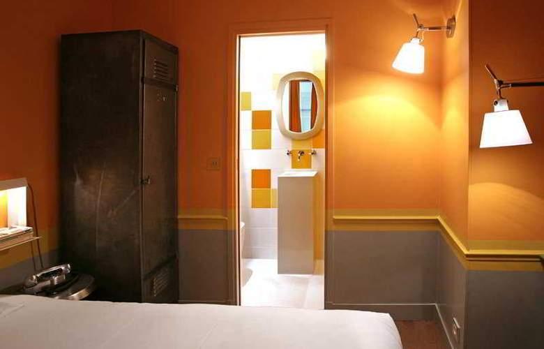 Crayon - Room - 8