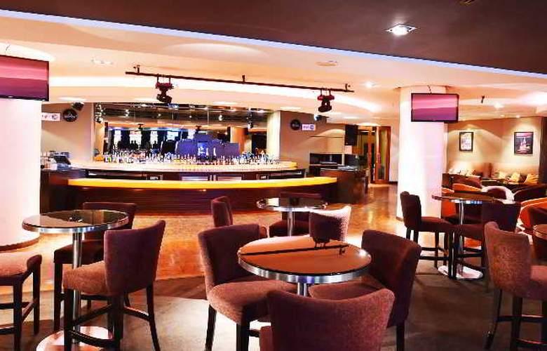 Equatorial Hotel Malacca - Bar - 7
