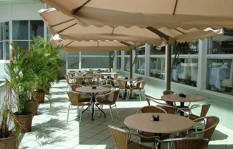 Deauville Beach Resort - Terrace - 7