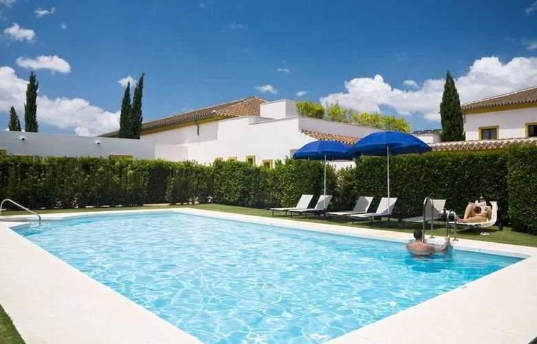 Castellar - Pool - 10