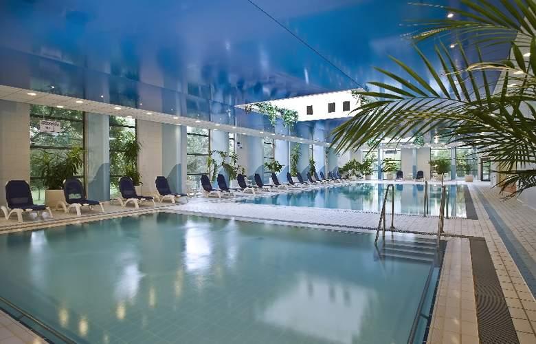 Danubius Health Spa Resort Helia - Pool - 0