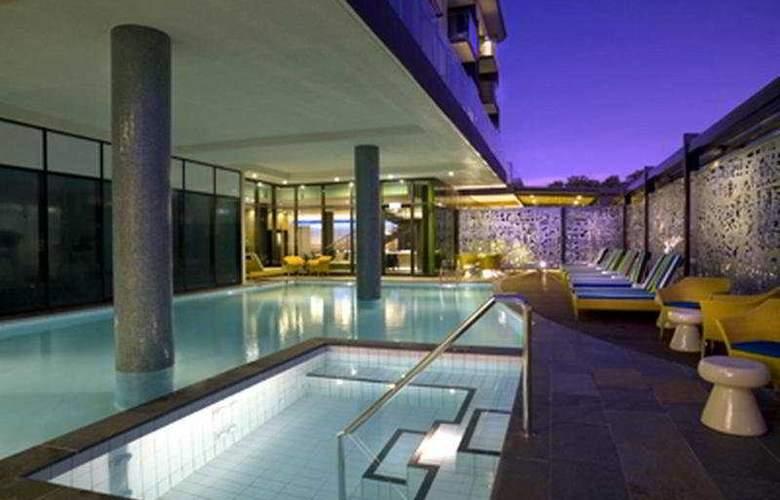 Vibe Hotel Darwin - Pool - 5