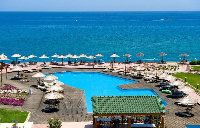Lutania Beach - Pool - 2