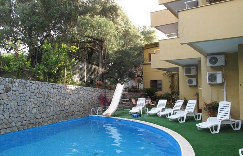 Residence Eden - Pool - 1