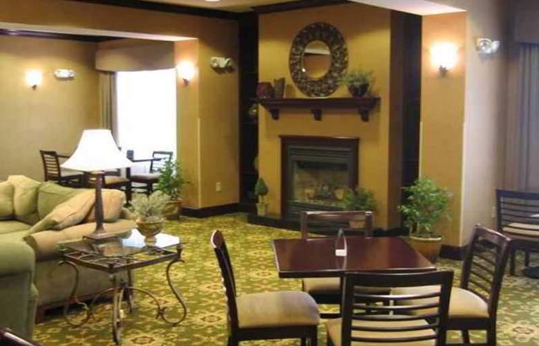 Hampton Inn Stow - Hotel - 4