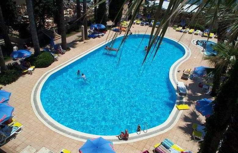 Miramer Beach - Pool - 6