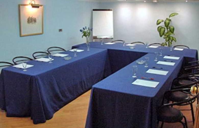 Doña Blanca - Conference - 8