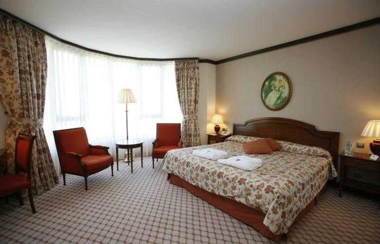 Gran Hotel Balneario Puente Viesgo - Room - 4