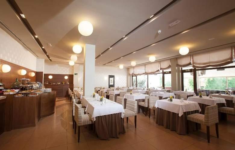 Spa Attica 21 Villalba - Restaurant - 24