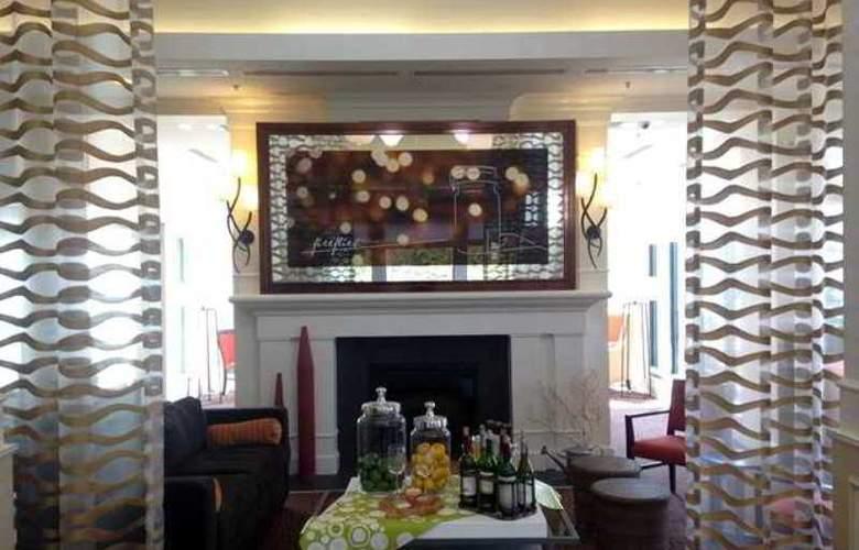 Hilton Garden Inn Poughkeepsie/Fishkill - Hotel - 6